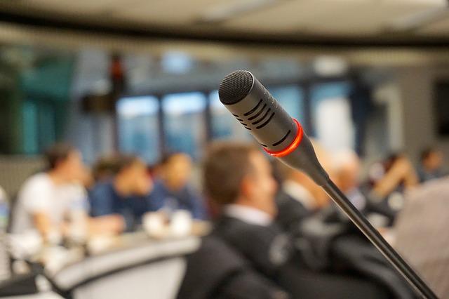 Mikrofon z funkcją redukcji szumów